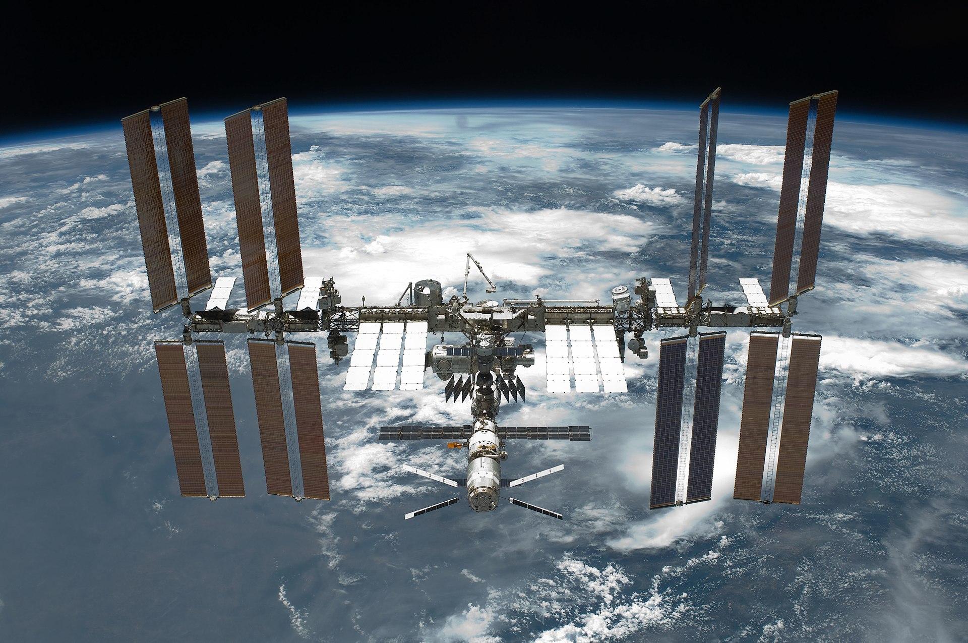 宇宙 ステーション 肉眼 2020 国際